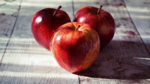 Apples are weight loss friendly foods
