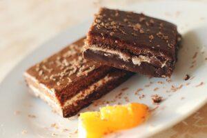 low fodmap snacks -chocolate brownie