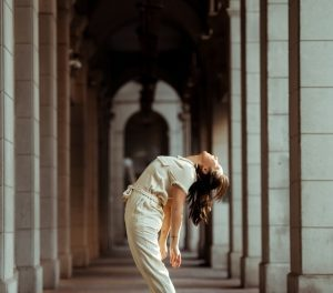 stretching exercises for seniors- shoulder